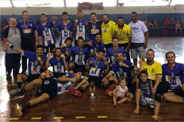 Jornal Nossa Folha – Handebol masculino é campeão e feminino fica ... 60eb28b000de1